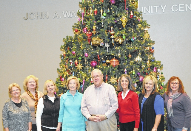 Walker Center Christmas tree dazzles with 10,000 lights - The ...